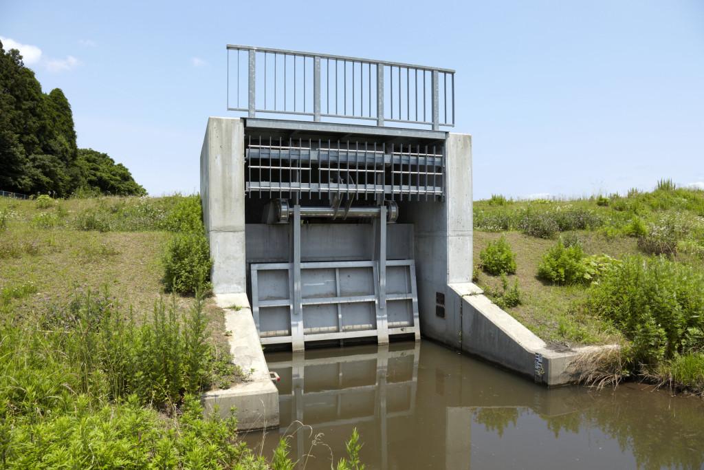 水沢管内排水樋門ゲート